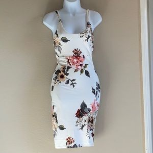 NWT - Joe and Elle  summer floral dress size XS